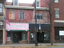Facade of 431-433 East Ohio Street Before Renovation (2011)